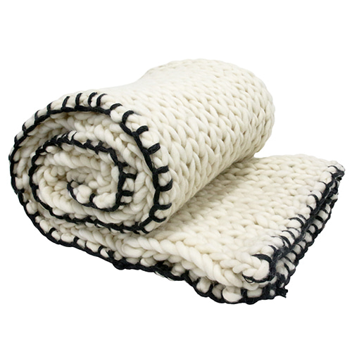 Chunky Knitted blanket - white (120x180cm)